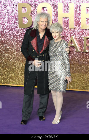 London, UK. 23rd October, 2018. Brian May, Anita Dobson, Bohemian Rhapsody - World Premiere, SSE Arena, Wembley, London, UK, 23 October 2018, Photo by Richard Goldschmidt Credit: Rich Gold/Alamy Live News - Stock Photo