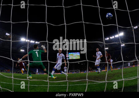 Rome, Italy. 23rd Oct, 2018. As Roma's Cengiz Under scores during a group G match of UEFA Champions League between Roma and CSKA Moskva, in Rome, Italy, Oct. 23, 2018. Roma won 3-0. Credit: Alberto Lingria/Xinhua/Alamy Live News - Stock Photo