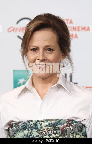 Rome, Italy. 24th Oct, 2018. Roma Cinema Fest 2018. Rome Film Festival. Photocall Sigourney Weaver. Pictured: Sigourney Weaver Credit: Independent Photo Agency/Alamy Live News - Stock Photo