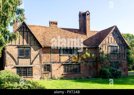 Period timber-framed house, The Street, Waltham St Lawrence, Berkshire, England, United Kingdom - Stock Photo