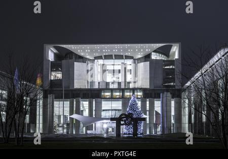 Weihnachtsbaum vor dem Neuen Bundeskanzleramt, Berlin, Deutschland , Christmas tree in front of the new German Chancellery, Germany, new, federal, ger - Stock Photo