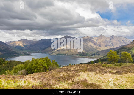 UK, Scotland, Kintail, view to Loch Duich and Five Sisters of Kintail - Stock Photo