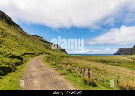 UK, Scotland, Inner Hebrides, Isle of Skye, path to Talisker Bay