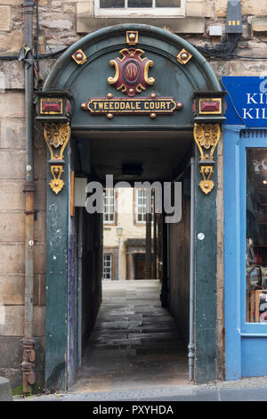 Detail of ornate decoration at entrance to Tweeddale Court close (passageway) on the Royal Mile in Old Town of Edinburgh, Scotland, UK - Stock Photo
