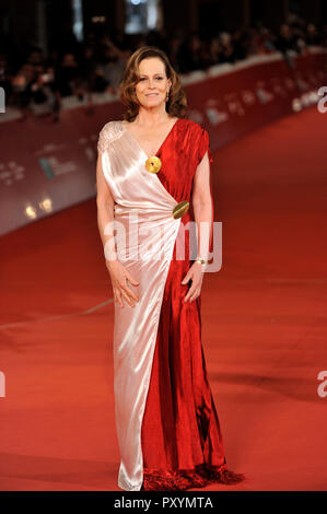 Rome, Italy. 24th Oct, 2018. Roma Cinema Fest 2018 Rome Film Festival. Photocall film Ghostbusters. Pictured: Sigourney Weaver Credit: Independent Photo Agency/Alamy Live News - Stock Photo