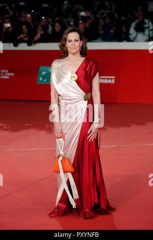 Rome, Italy. 24th Oct, 2018. Sigourney Weaver Rome October 24th 2018. Rome Film Fest 2018 Foto Samantha Zucchi Insidefoto Credit: insidefoto srl/Alamy Live News - Stock Photo