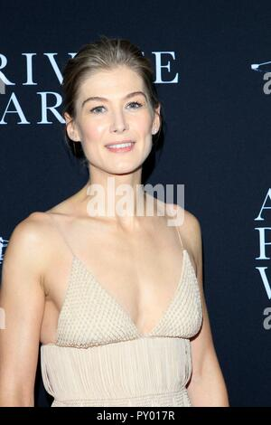 Los Angeles, CA, USA. 24th Oct, 2018. Rosamund Pike at arrivals for A PRIVATE WAR Premiere, Samuel Goldwyn Theater, Los Angeles, CA October 24, 2018. Credit: Priscilla Grant/Everett Collection/Alamy Live News - Stock Photo
