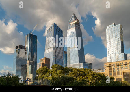 10 Hudson Yards, center left, 30 Hudson Yards, center right, and other development around Hudson Yards in New York on Tuesday, October 17, 2018. (© Richard B. Levine) - Stock Photo