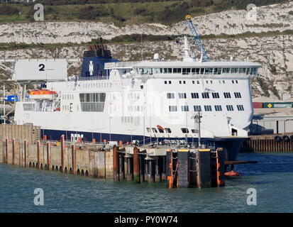 AJAXNETPHOTO. 2018. DOVER, ENGLAND.- CROSS CHANNEL CAR AND PASSENGER FERRY DFDS COTE DES DUNES MOORED IN THE HARBOUR. PHOTO:JONATHAN EASTLAND/AJAX REF:GX8_180910_908 - Stock Photo