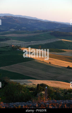 View from a terrace in the village of Pienza over the Orcia valley in Tuscany in Italy. | usage worldwide - Stock Photo