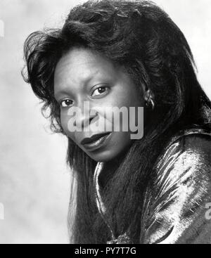 Original film title: GHOST. English title: GHOST. Year: 1990. Director: JERRY ZUCKER. Stars: WHOOPI GOLDBERG. Credit: PARAMOUNT PICTURES / M.C. / Album - Stock Photo