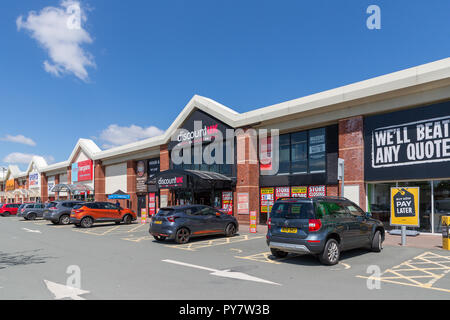 Warrington branch of Discount UK on the Riverside Retail Park. The store has now closed - Stock Photo