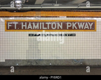 Brooklyn, New York - May 22, 2018: Fort Hamilton Parkway Subway station in Brooklyn, NY along the F line. - Stock Photo