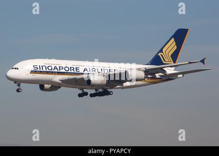 Los Angeles, USA - 22. February 2016: Singapore Airlines Airbus A380-800 at Los Angeles airport (LAX) in the USA. | usage worldwide - Stock Photo