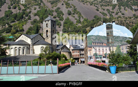 Andorra La Vella, Andorra. 18th Sep, 2018. Andorra la Vella, capital of the Andorra in the Pyrenees - St.Esteve Church (12th century), recorded on 18.09.2018 | usage worldwide Credit: dpa/Alamy Live News - Stock Photo