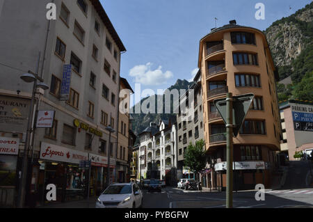 Andorra La Vella, Andorra. 18th Sep, 2018. Street scene in Andorra la Vella, capital of the Andorra in the Pyrenees, recorded on 18.09.2018 | usage worldwide Credit: dpa/Alamy Live News - Stock Photo