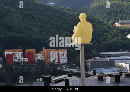 Andorra La Vella, Andorra. 18th Sep, 2018. Andorra la Vella, the capital of the Andorra in the Pyrenees - Sculpture of a Seated, added on 18.09.2018 | usage worldwide Credit: dpa/Alamy Live News - Stock Photo
