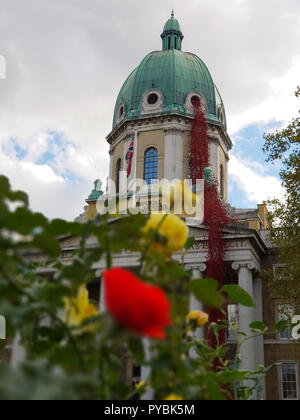Imperial War Museum. London. UK 26 Oct 2018 - 11,000 poppies form 'Weeping Window', a fraction of the 888,246 originals, each one commemorating a British or Colonial life lost in WW1 have been installed at the Imperial War Museum. The poppies take pride of place, spilling out of the museum's domed roof and cascading to the front lawn. It's a moving tribute to those lost, which celebrates the centenary of the Armistice and the installation will be in place until November 18th a week after Remembrance Day.   Credit: Dinendra Haria/Alamy Live News - Stock Photo