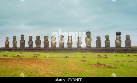 Moais at Ahu Tongariki in Easter island. The largest ahu in the island 15 moai, one with the pukao - Stock Photo