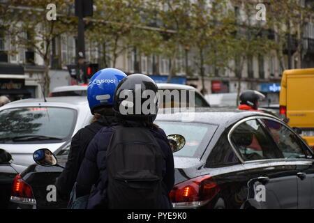 Rush hour in Paris - Stock Photo