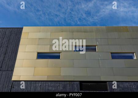 Oriel mostyn gallery gold anodized rainscreen cladding on curtain wall in Llandudno conwy north wales uk - Stock Photo
