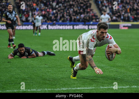 Hull, UK, 27 10 2018. 27 October 2018. KCOM Stadium, Hull, England; Rugby League Dacia International, England vs New Zealand; England's Oliver Gildart scores the match winner in a close encounter with New Zealand.  Photo:Dean Williams Credit: Dean Williams/Alamy Live News