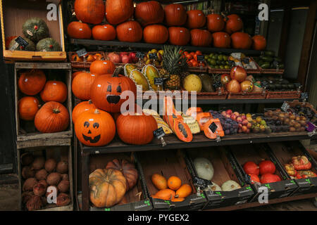 London UK 28 October 2018 Halloween pumpkins for sale in Camden High Street,ahead of Halloween on the 31 October @Paul Quezada-Neiman/Alamy Live News - Stock Photo