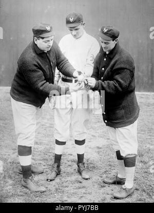 Washburn with Rube Marquard & Mike Donlin, New York, NL (baseball) ca. 1911 - Stock Photo