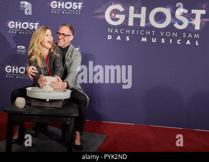 Hamburg, Germany. 28th Oct, 2018. Michaela Schaffrath and Nik Breidenbach, both actors, arriving to the Hamburg premiere of the musical 'Ghost'. The musical will be on at the Operettenhaus until the end of February. Credit: Georg Wendt/dpa/Alamy Live News - Stock Photo
