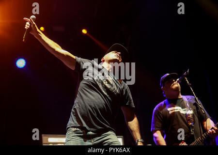 Huntington Beach, Ca. 27th Oct, 2018. Jim Lindberg of Pennywise performs at Surf City Blitz at Huntington State Beach on October 27, 2018 in Huntington Beach, CA. Credit: Cvp/Image Space/Media Punch/Alamy Live News - Stock Photo