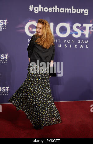 Hamburg, Germany. 28th Oct, 2018. Wanda Perdelwitz, actress, comes to the Hamburg premiere of the musical 'Ghost'. The musical will be a guest at the Operettenhaus until the end of February. Credit: Georg Wendt/dpa/Alamy Live News - Stock Photo