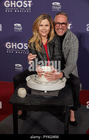Hamburg, Germany. 28th Oct, 2018. Michaela Schaffrath and Nik Breidenbach, both actors, come to the Hamburg premiere of the musical 'Ghost'. The musical will be a guest at the Operettenhaus until the end of February. Credit: Georg Wendt/dpa/Alamy Live News - Stock Photo