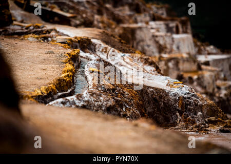 Salzbecken zur Salzgewinnung in Maras , Peru , Südamerika - Stock Photo