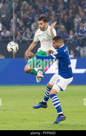 Gelsenkirchen, Deutschland. 20th Oct, 2018. duels between Omar MASCARELL (GE) (r.) and Nuri SAHIN (HB); Soccer 1. Bundesliga, 8. matchday, FC Schalke 04 (GE) - SV Werder Bremen (HB) 0: 2, the 20.10.2018 in Gelsenkirchen/Germany. DFL regulations prohibit any use of images as image sequences and/or quasi-video | usage worldwide Credit: dpa/Alamy Live News - Stock Photo
