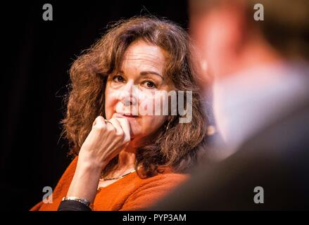 Munich, Bavaria, Germany. 29th Oct, 2018. BARBARA ABDALLAH STEINKOPFF, psychotherapist with REFUGIO Muenchen. The capitain of the Mission Lifeline refugee rescue ship Claus Peter Reisch was a participant in the 'Geschlossene Staaten von Europa'' (Closed States of Europe) podium discussion at Munich's Gasteig. The Mission Lifeline has faced political attacks from numerous governments in Europe that have served to slow or stop migrant rescues in the Mediterranean. Critics allege that Europe is instituting measures to keep those fleeing from war and poverty as far as possible from Eur - Stock Photo