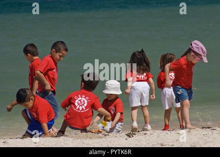 Children on beach in La Paz, Baja California Sur, Mexico - Stock Photo