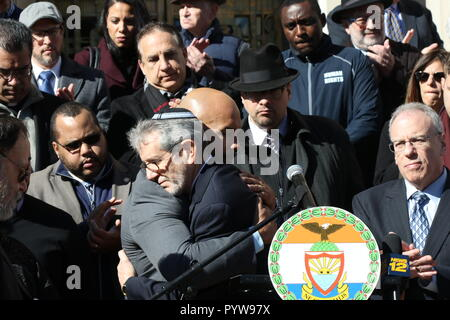 New York City, New York, USA. 30th Oct, 2018. An interfaith pray vigil hosted by Bronx Borough President Ruben Diaz Jr. and the Jewish Community Relations Council of New York, was held at the Bronx County Building on 30 October, 2018. Elected leaders, clergy, court officials, community organizations and others joined in support with the Jewish community and stood united against hatred at the midday vigil. Credit: G. Ronald Lopez/ZUMA Wire/Alamy Live News - Stock Photo
