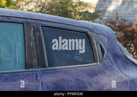 Llanfairwaterdine, UK. 31st Oct, 2018. Some one has written the word ice on a car window on a Cold and frosty morning in Llanfairwaterdine, Shropshire. The cold weather continues with glorious sunshine. Credit: Keith Larby/Alamy Live News - Stock Photo