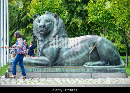 Lion's sculpture, Ul. Oborishte, Sofia, Bulgaria, Loewenskulptur, Bulgarien - Stock Photo