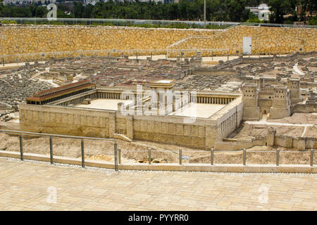 9 May 2018 The outdoor scale model of the ancient city of Jerusalem at the Israel Museum in Jerusalem. The model has many arbitrary representations bu - Stock Photo