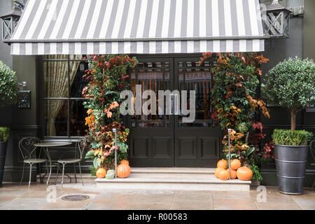 Main Street Entrance, autumnal decor, Covent Garden Hotel, Monmouth Street, Seven Dials, London - Stock Photo