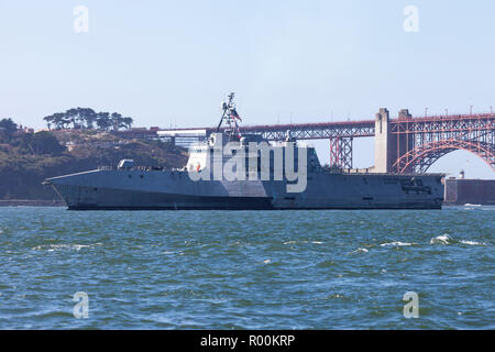 The Independence class littoral combat ship USS Manchester (LCS 14) on San Francisco Bay. - Stock Photo
