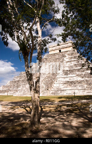 El Castillo, also known as the Temple of Kukulcan, is a Mesoamerican step-pyramid at Chichen Itza in the Mexican state of Yucatan. - Stock Photo