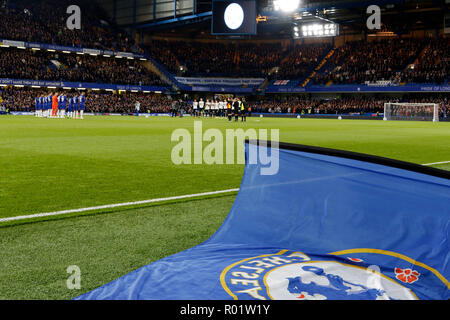 London, UK. 31st October, 2018. Chelsea FC pay their respects to Vichai Shrivaddhanaprabha and those who lost their lives in the tragic crash at Leicester City Football Club during the EFL Carabao Cup Round of 16 match between Chelsea and Derby County at Stamford Bridge, London, England on 31 October 2018. Photo by Carlton Myrie.  Editorial use only, license required for commercial use. No use in betting, games or a single club/league/player publications. Credit: UK Sports Pics Ltd/Alamy Live News - Stock Photo