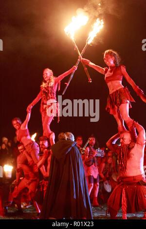 Edinburgh, Scotland. UK. 31 October 2018. The Samhuinn Fire Festival, end of summer start winter. For the first time ever Samhuinn Fire Festival marks the turn of the seasons at the top of Calton Hill. Pako Mera/Alamy Live News - Stock Photo