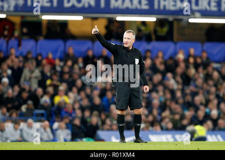 Referee, Jonathan Moss gives the thumbs up during the EFL Carabao Cup Round of 16 match between Chelsea and Derby County at Stamford Bridge, London, England on 31 October 2018. Photo by Carlton Myrie.  Editorial use only, license required for commercial use. No use in betting, games or a single club/league/player publications. - Stock Photo