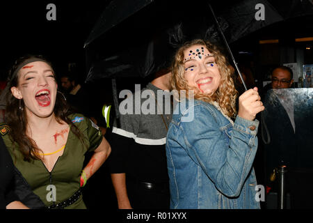 London, UK. 31st Oct, 2018. Revellers dresses up in Halloween Costume for a night in Westend for the Halloween party on 31 October 2018, London, UK. Credit: Picture Capital/Alamy Live News - Stock Photo