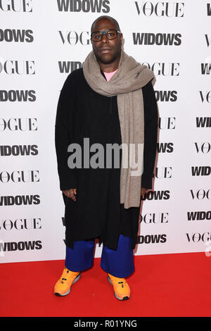 London, UK. 31st Oct, 2018. LONDON, UK. October 31, 2018: Steve McQueen at the 'Widows' special screening in association with Vogue at the Tate Modern, London. Picture: Steve Vas/Featureflash Credit: Paul Smith/Alamy Live News - Stock Photo