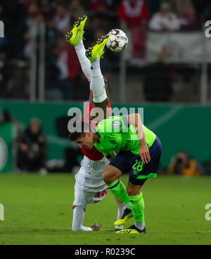 Cologne, Germany October 31 2018, DFB Pokal, FC Koeln - FC Schalke 04: Sehrou Guirassy (Koeln), Alessandro Andre Schoepf (S04) in competition.                 Credit: Juergen Schwarz/Alamy Live News    DFB REGULATIONS PROHIBIT ANY USE OF PHOTOGRAPHS AS IMAGE SEQUENCES AND/OR QUASI-VIDEO Credit: Juergen Schwarz/Alamy Live News