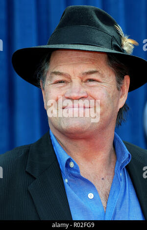 Mickey Dolenz ( The Monkeys ) arriving at the Meet The Robinsons Premiere at the El Capitan Theatre In Los Angeles.   headshot hatDolenzMickey056 Red Carpet Event, Vertical, USA, Film Industry, Celebrities,  Photography, Bestof, Arts Culture and Entertainment, Topix Celebrities fashion /  Vertical, Best of, Event in Hollywood Life - California,  Red Carpet and backstage, USA, Film Industry, Celebrities,  movie celebrities, TV celebrities, Music celebrities, Photography, Bestof, Arts Culture and Entertainment,  Topix, headshot, vertical, one person,, from the year , 2007, inquiry tsuni@Gamma-US - Stock Photo